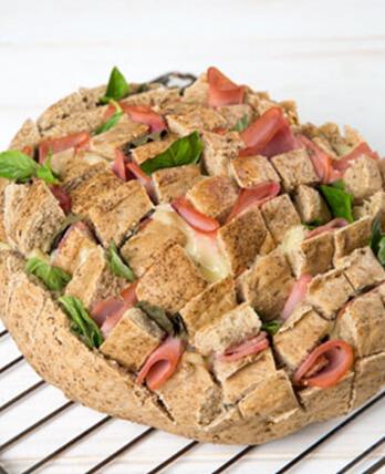 Pan rústico con Jamón Pietrán