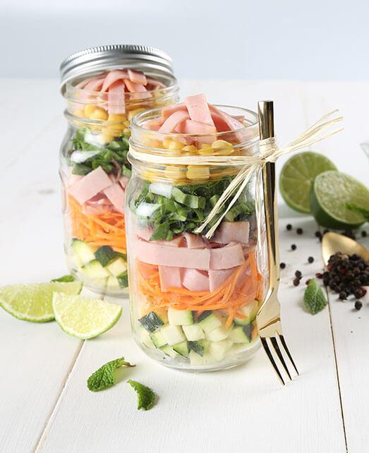 Receta saludable ensalada en frasco
