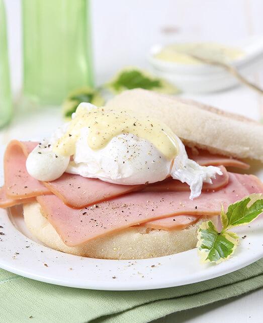 Huevos benedictinos con jamón de cerdo Pietrán