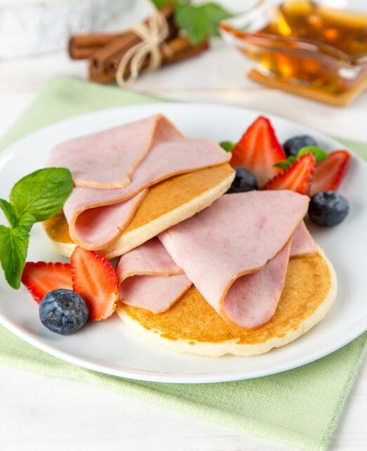 Pancakes con Frutos Rojos y Jamón