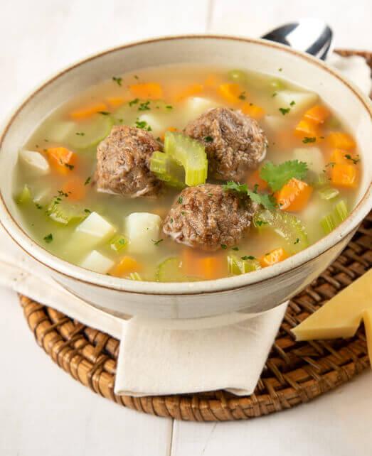 Receta saludable sopa de veggie bites