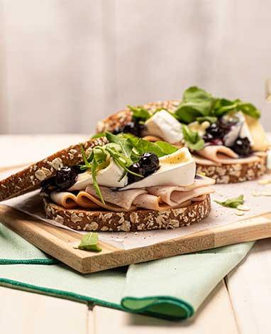 Jamón de pavo para sándwich de pan de centeno
